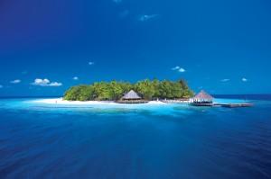 Angsana Ihuru Ariel_View_of_round_island_HR-1