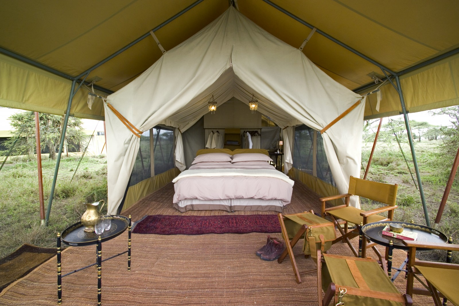 Experience a classic Tanzanian safari ... & Serengeti Under Canvas - Reef and Rainforest